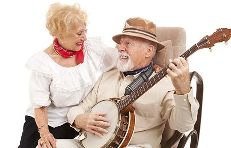Неврологи: пение помогает бороться с болезнью Альцгеймера.  Фото с сайта iStock/thinkstockphotos.com.