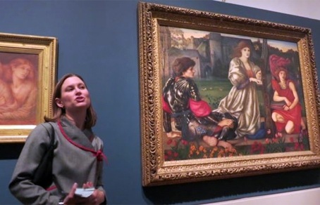 Куратор выставки The Pre-Raphaelite Legacy: British Art and Design в Музее Метрополитен Эллисон Хокансон