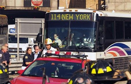 Встолкновении автобусов вНью-Йорке пострадали 44 человека