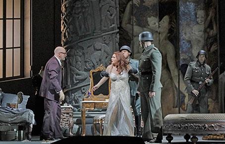 Анна Нетребко хочет вновь выступить впостановке огромного театра «Манон Леско»