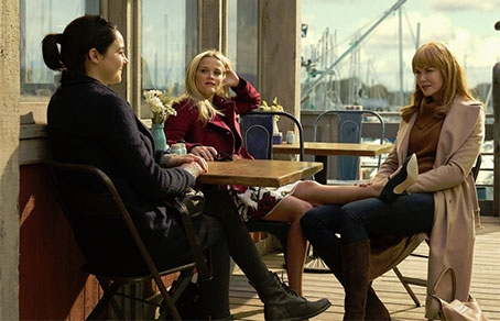 Риз Уизерспун, Николь Кидман и Шейлин Вудли в сериале  'Big Little Lies'. Фото © KINOPOISK.RU