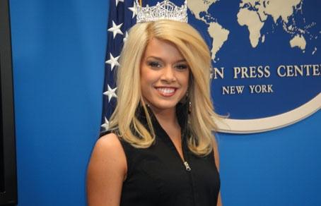 454-292-Miss_America2011_Teresa_Scanlan_in_New_York «Мисс Америка» собралась в политики