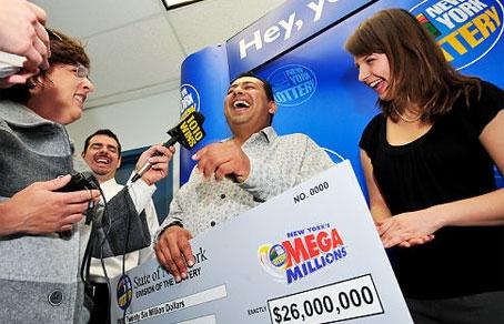 Растет популярность лотерей с мега-бюджетами, в первую очередь Mega Millions, продажа билетов которой выросла на 21% и Powerball, где продажа выросла на 14%.