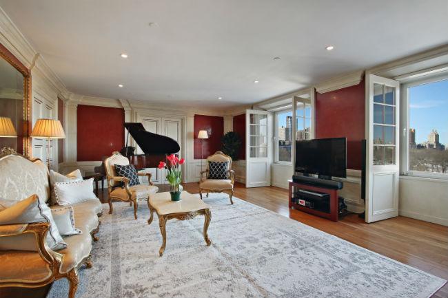 Квартиру на Манхэттене, принадлежавшую Дэвиду Боуи, выставили на продажу за $6,495 млн вместе с его роялем. Фото с сайта curbed.com