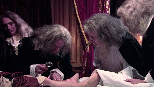 Кадр из фильма Альберта Сьерры La mort de Louis XIV