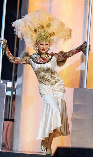 Людмила гурченко в платье от леонида