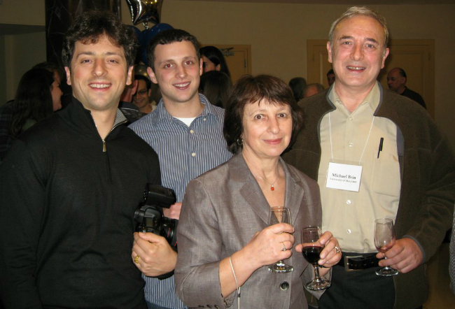 Семья Брин: Сергей, Сэм, Евгения и Михаил. Фото: Jewish.ru