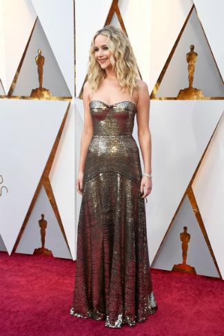 Без политики и цветов: как выглядели звезды на красной дорожке «Оскара»