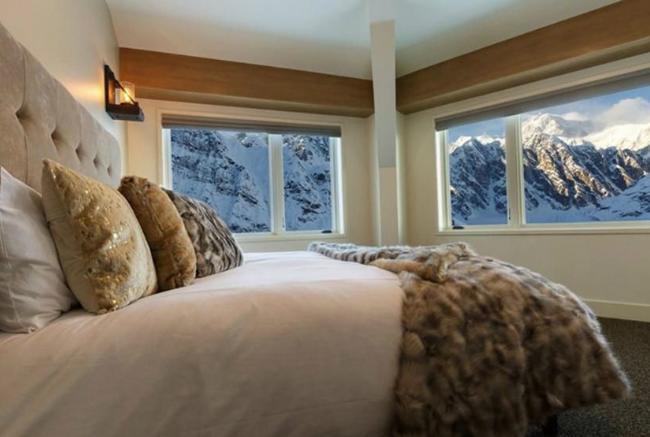 На Аляске открывается отель, попасть в который можно только по воздуху