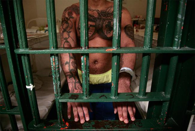 С какими болезнями сажают в тюрьму 93