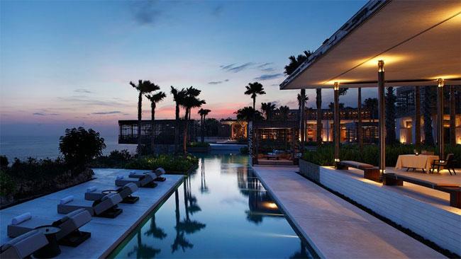 Лучшим отелем в категории «Пляжный отель года» стала гостиница Alila Villas Uluwatu на Бали.