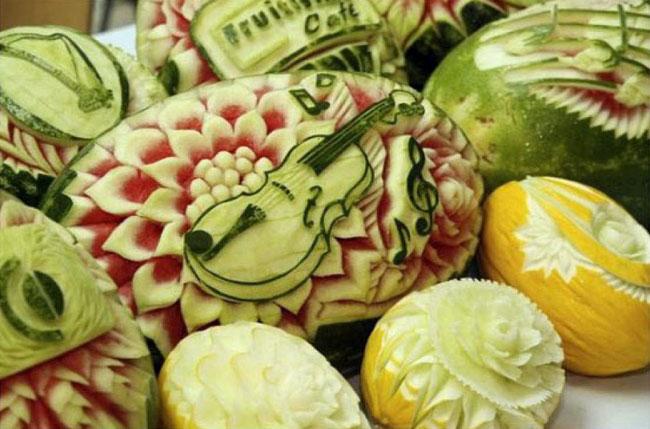 Карвинг - фигурная нарезка овощей и фруктов.