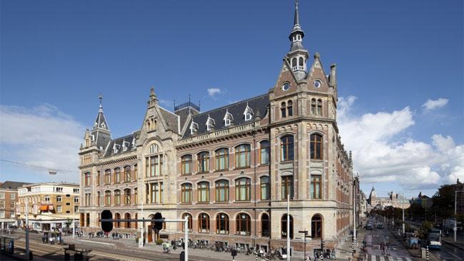 Номера отеля Conservatorium в Амстердаме проектировал известный миланский специалист по авангардным интерьерам Пьеро Лиссони.