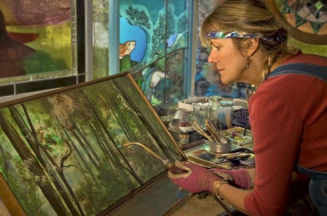 Энкаустика - старинная техника создания картин с использованием расплавленного цветного воска.